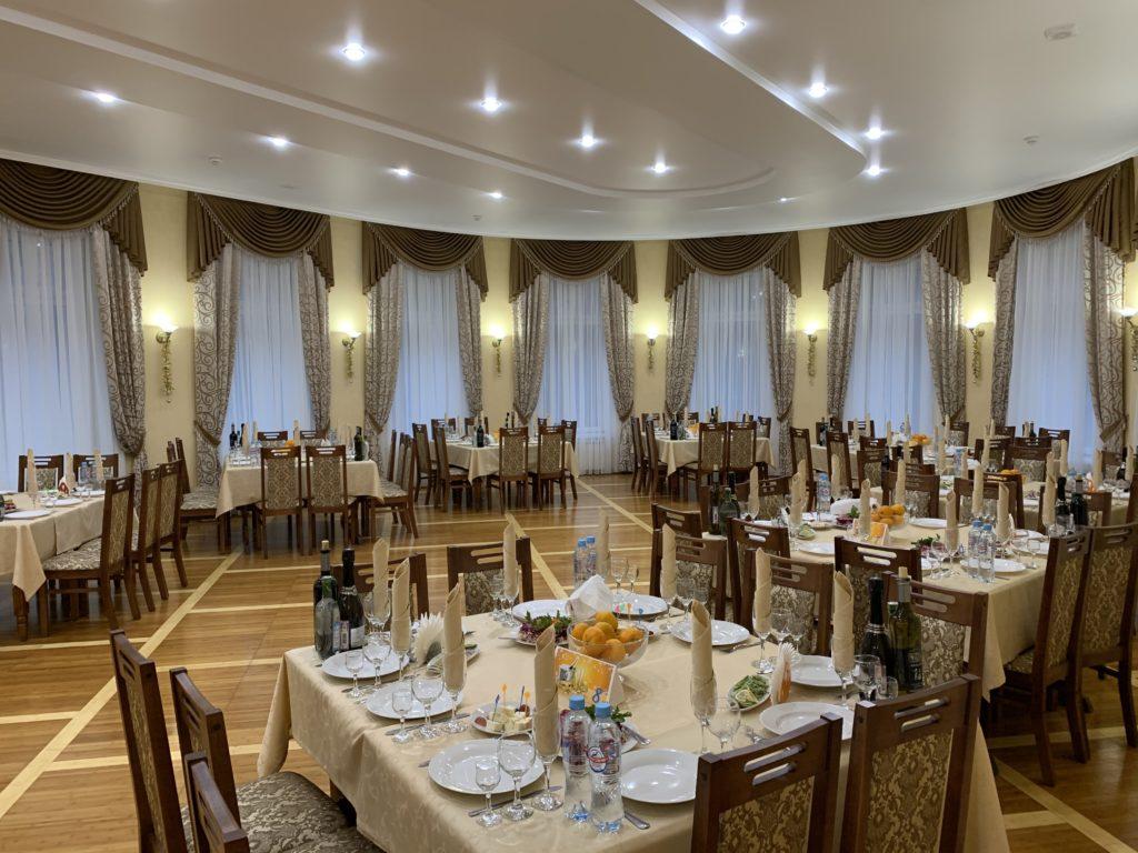 Обновленный большой зал (вместимость - до 120 чел.)